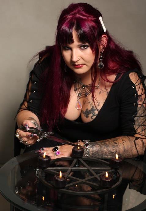 magický pentagram, Lilith a Eva, magie svíček, kouzlo n lásku, věštění z karet online, nejlepší kartářka, výklad karet zdarma sám si vyložit na tři karty