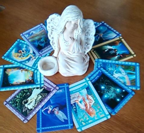 Andělské karty, výklad karet živě, Věštírna Květy Fialové